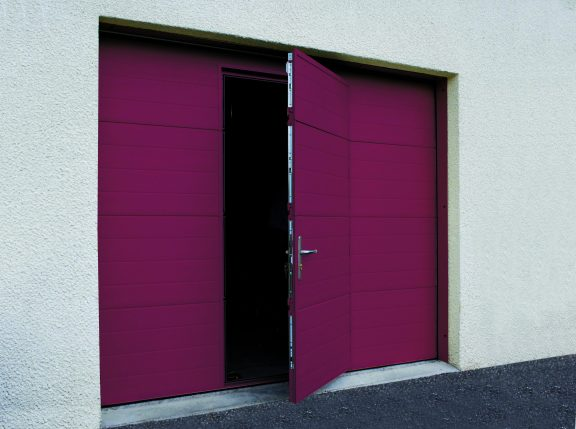 Porte de garage basculante à portillon SOPROFEN